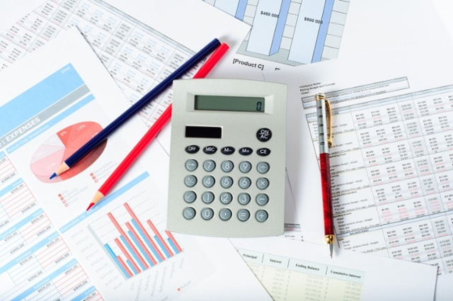 Reviewfinancialstatements-1024x680-1.jpg